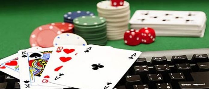 Play Poker and Earn Money!